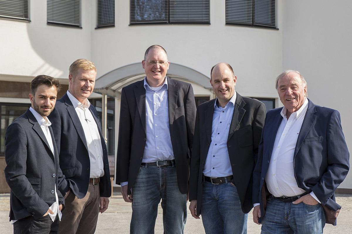 Hochstaffl Nutzfahrzeuge - Unternehmen Familienunternehmen Marc Hochstaffl Helmut Hausberger Armin Achleitner Michael Hochstaffl Johann Hochstaffl